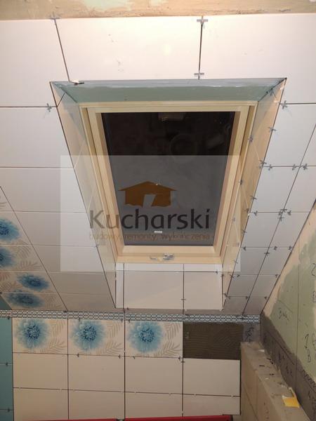 Remont łazienki - układamy płytki
