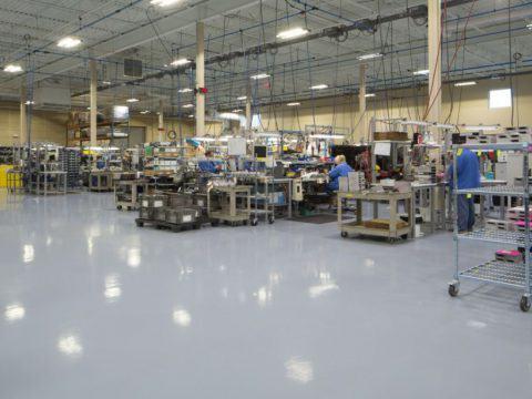 Pomieszczenia z wymaganiami ESD – zastosowanie posadzki Sikafloor
