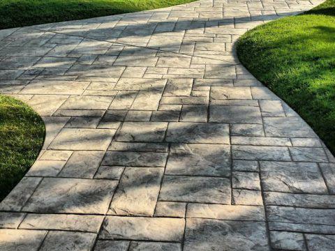 Rozplanowanie ścieżek ogrodowych – jak to zrobić ?