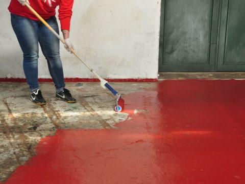 Jaka farba sprawdzi się najlepiej do malowania posadzki betonowej w garażu ?