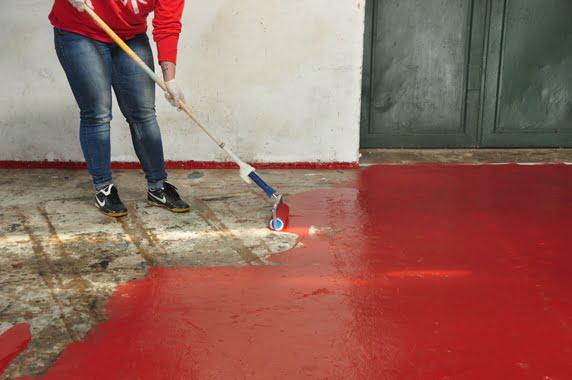 Jaka Farba Sprawdzi Się Najlepiej Do Malowania Posadzki Betonowej W