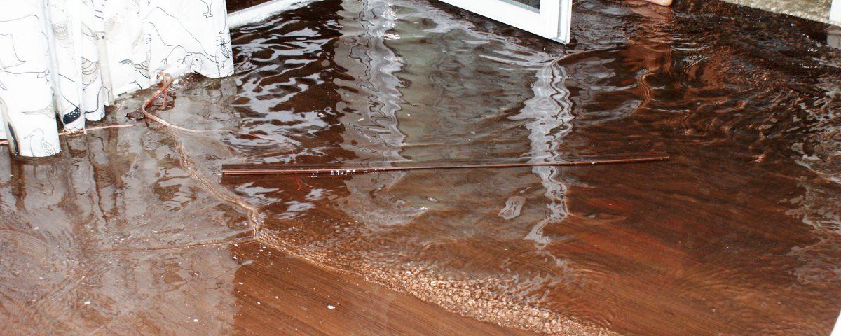 Sposoby na osuszenie zalanego mieszkania