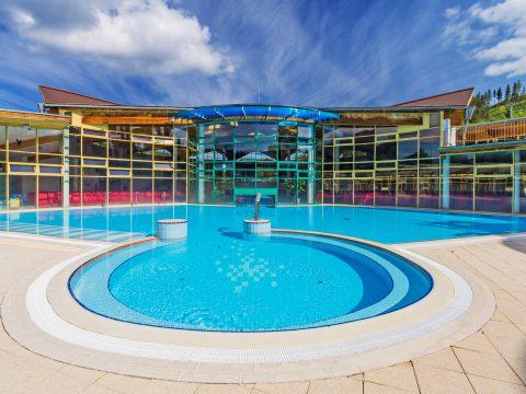 Sprawdzone i higieniczne rozwiązania do prywatnego basenu