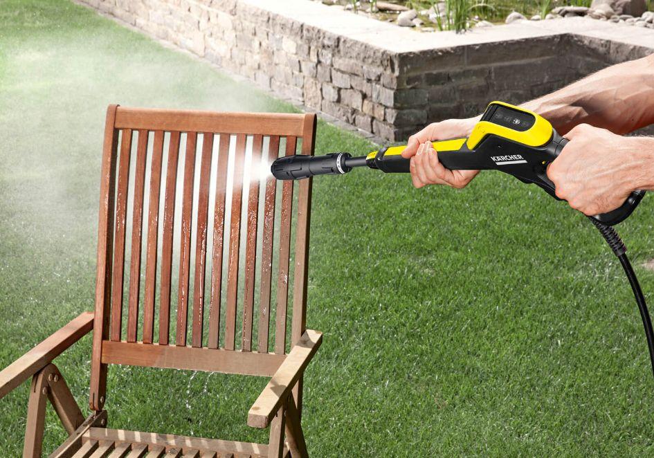 Domowa myjka wysokociśnieniowa co to jest, jak działa, czy warto